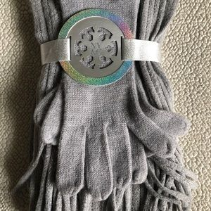 Women's Scarf and Gloves Set
